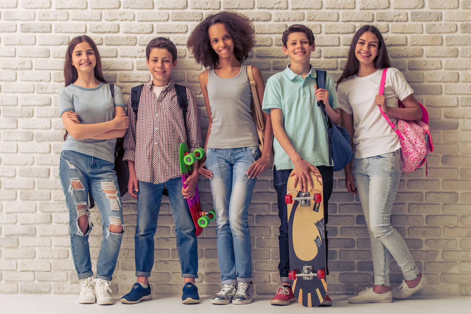 jeugd; vertrouwenspersoon; onafhankelijk; geheimhoudingsplicht; voor jongeren; ouders; grootouders; pleegouders; zorgbelang drenthe; akj